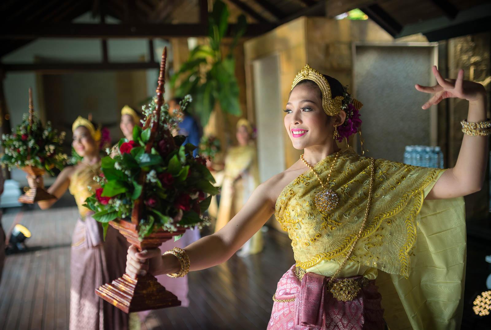 thai-wedding-land-of-smiles
