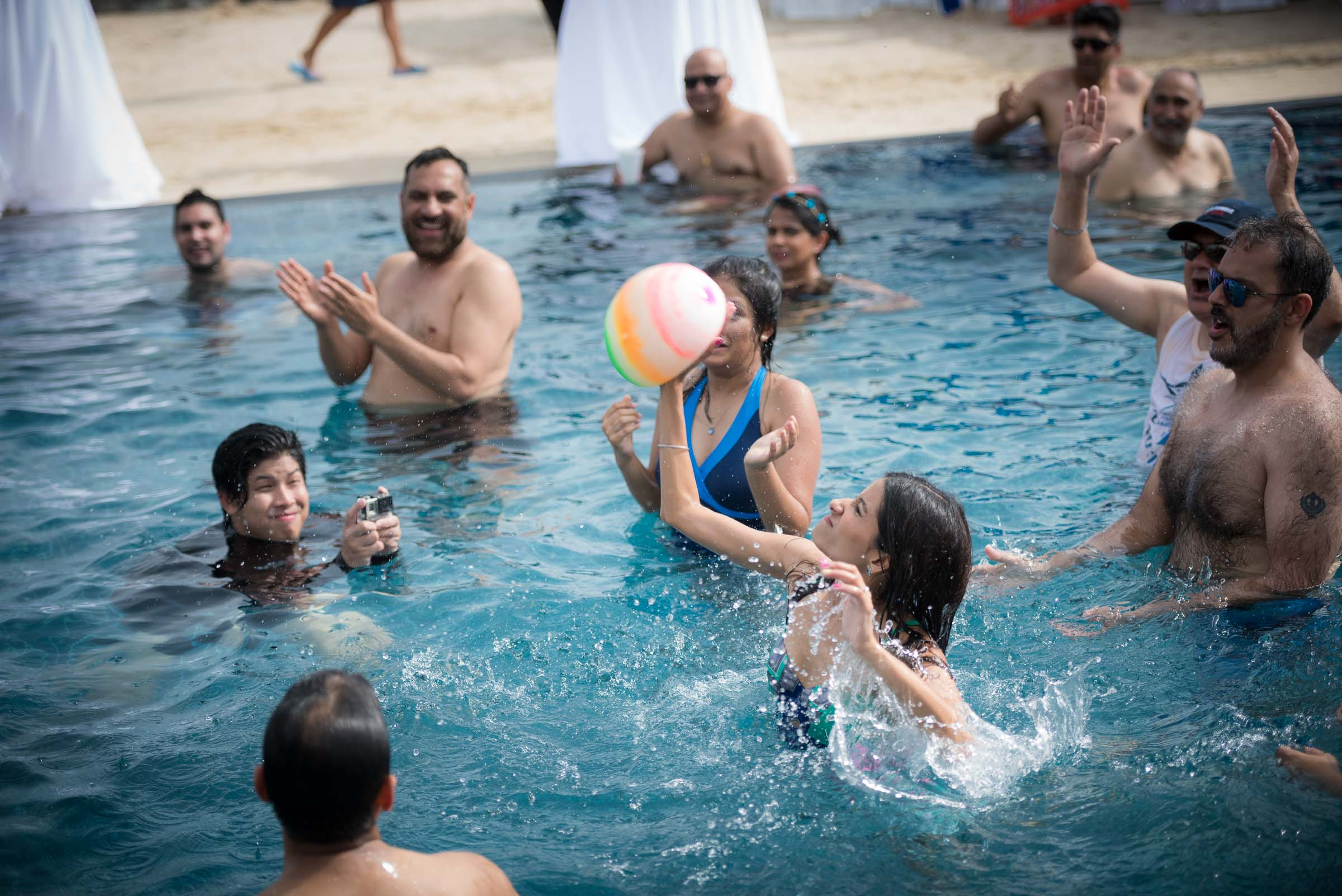 thailand-wedding-photographer-marriott-spa-resort-rayong-indian-wedding-photography-bangkok-pool-party-030