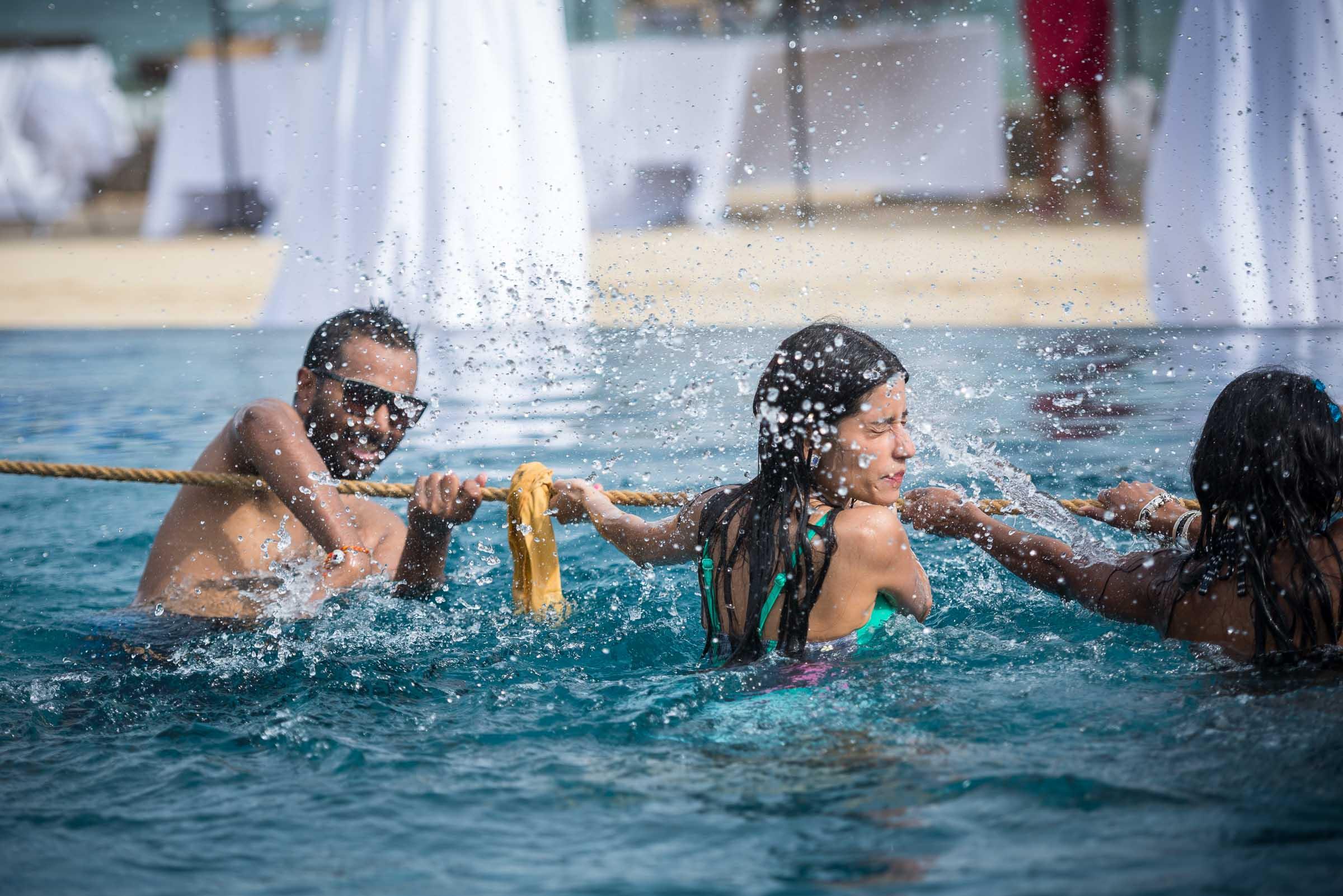 thailand-wedding-photographer-marriott-spa-resort-rayong-indian-wedding-photography-bangkok-pool-party-031