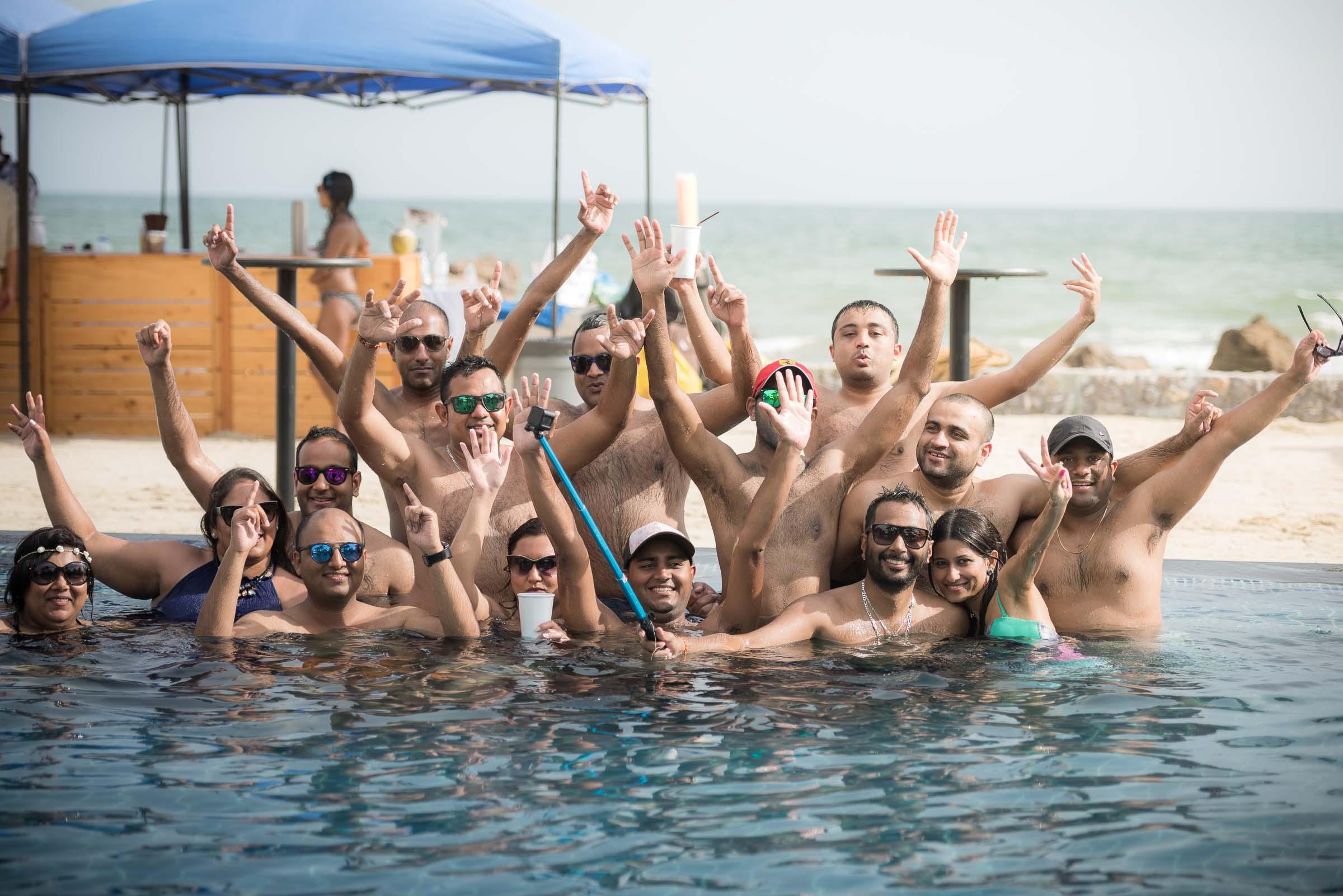 thailand-wedding-photographer-marriott-spa-resort-rayong-indian-wedding-photography-bangkok-pool-party-032