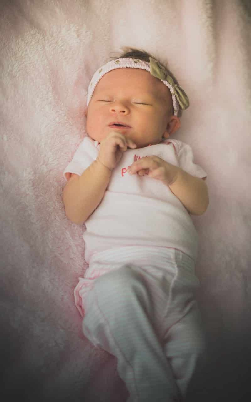 anoop-new-born-kids-photographer-bangkok-princess-cute-pink