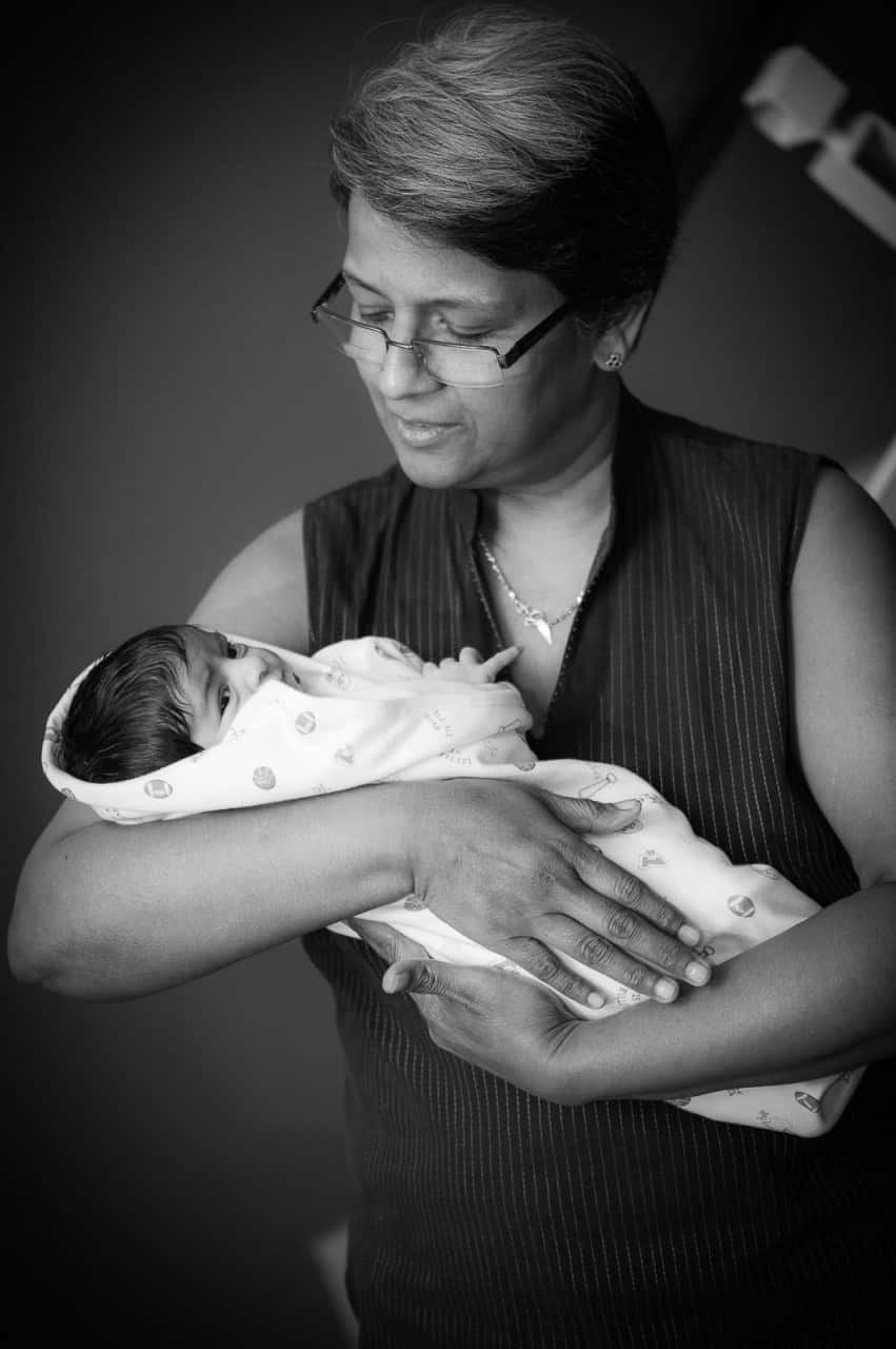anoop-newborn-photographer-bangalore-grandmother-new-born