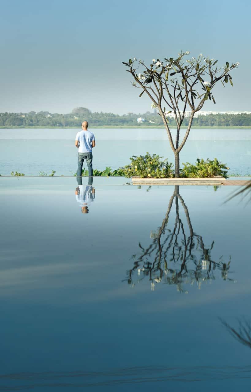 Best Wedding Photographer Bangalore India   Bellandur lake Groom Reflection Photography