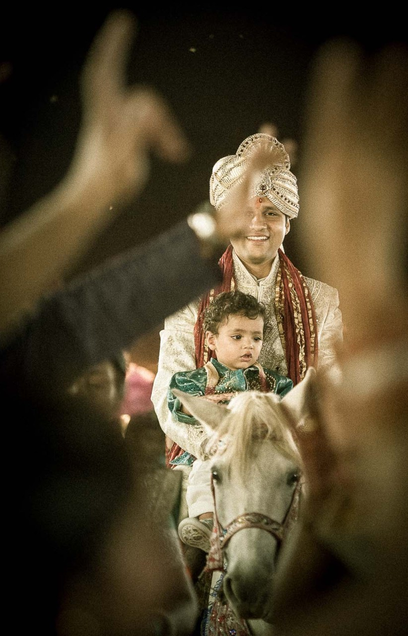 baraat-wedding-photography-orissa-groom-horse