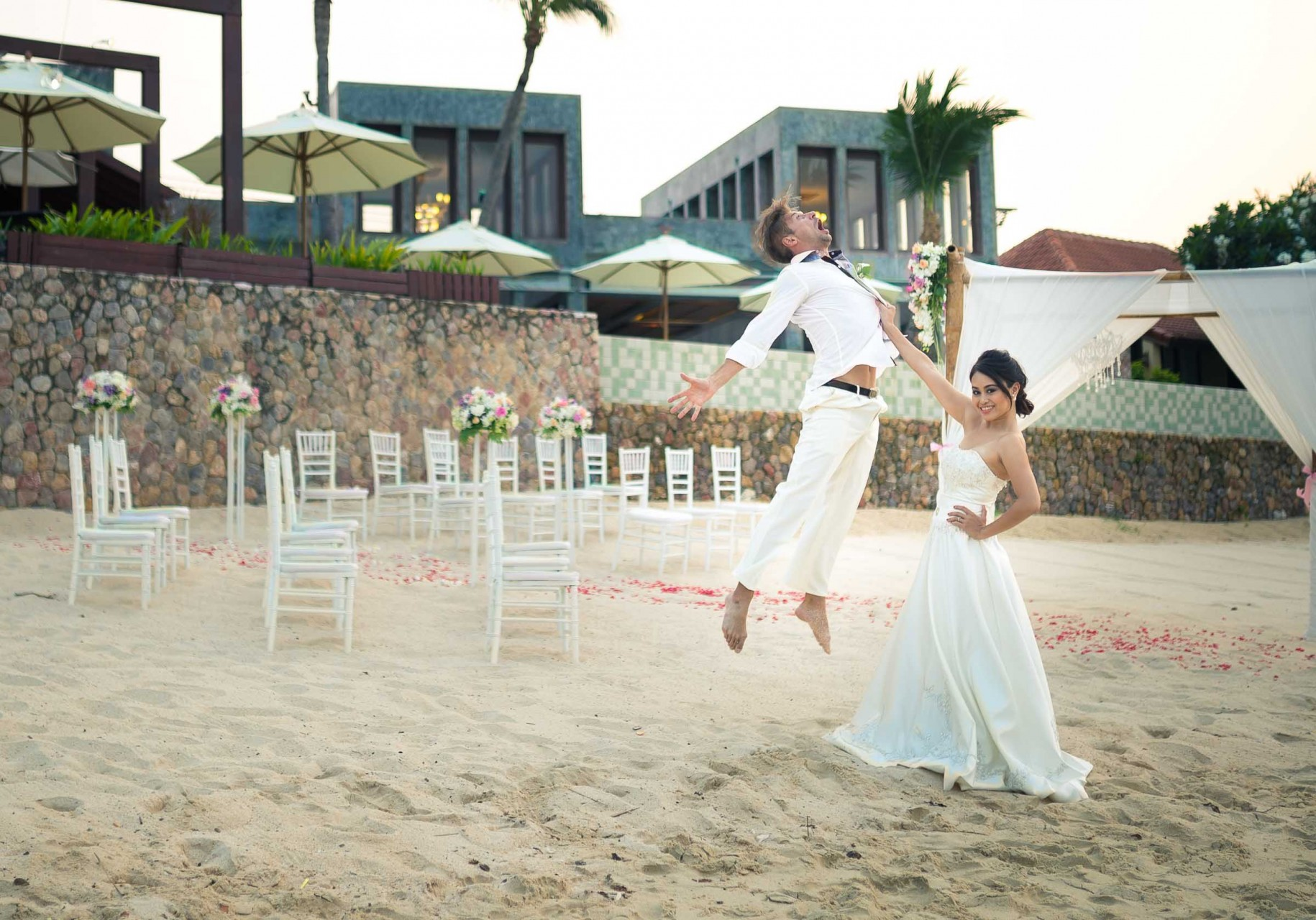 Beach Wedding Photography in Thailand | Best Professional Wedding Photographer Bangkok