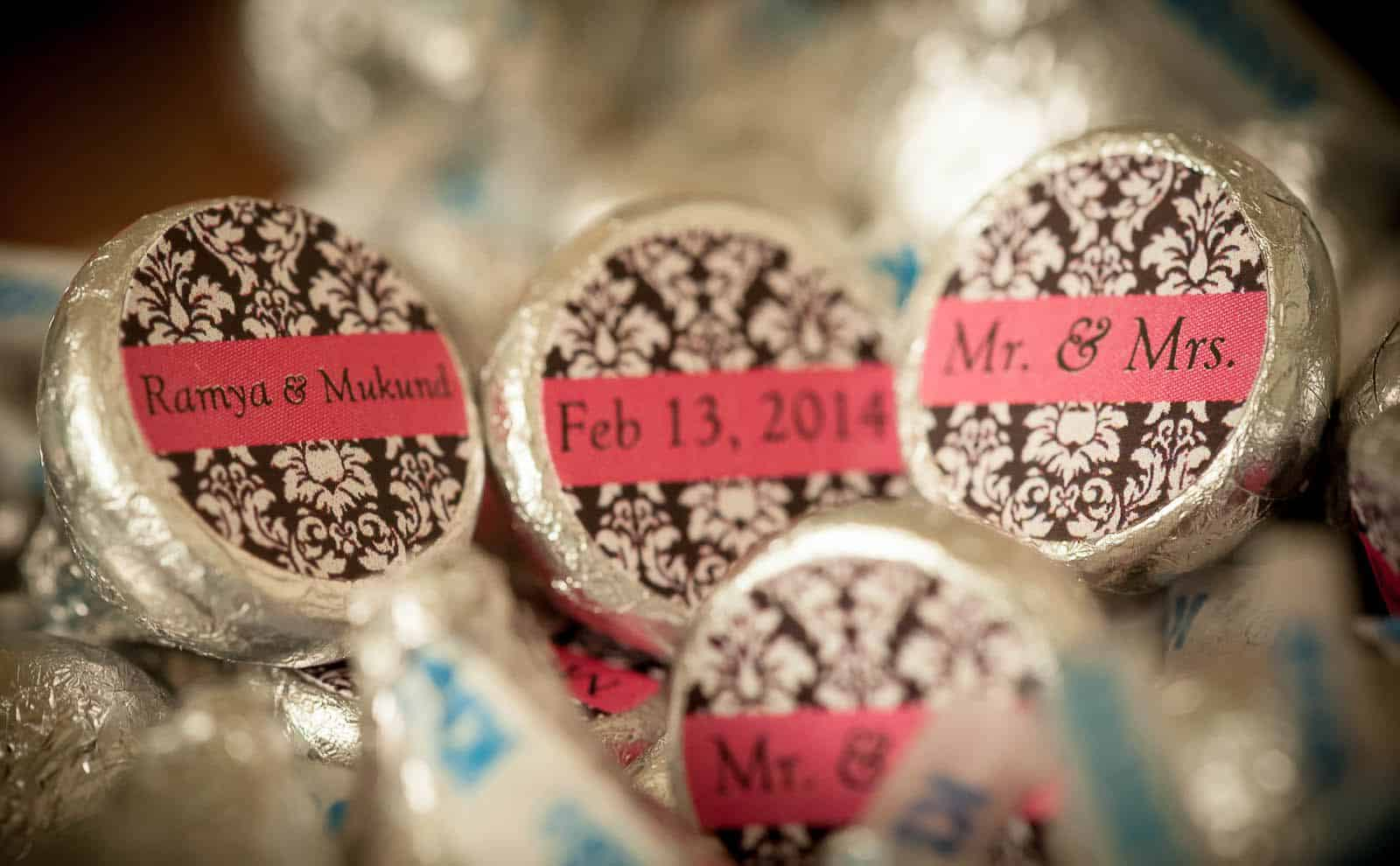anoop-wedding-photographer-detail-hershy's-chocolate-custom-made