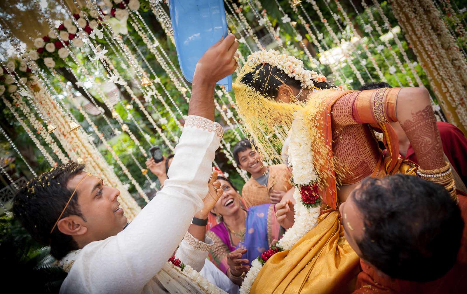 top-wedding-photographer-bangalore-taj-west-end-rice-ceremony