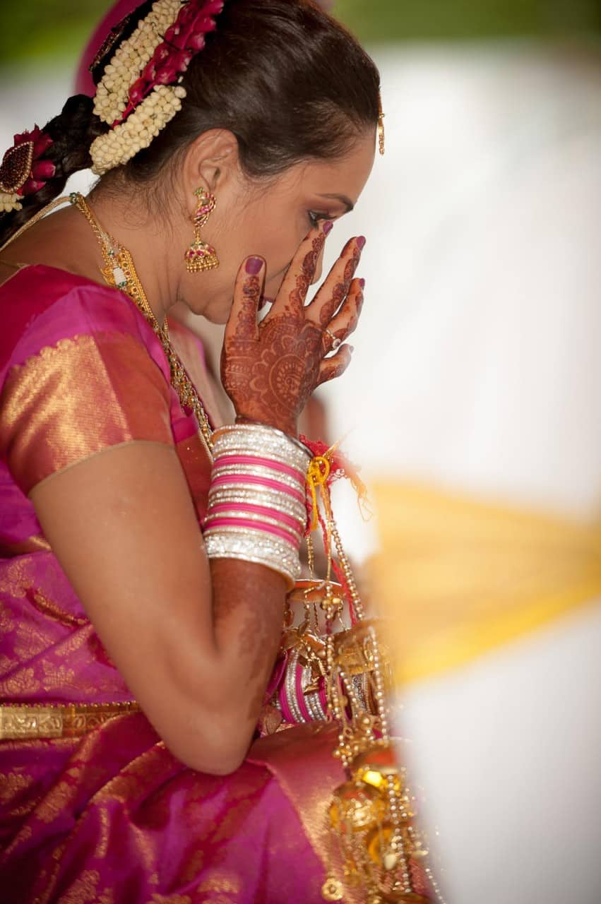 best-wedding-photography-jaymahal-bangalore-bride-crying