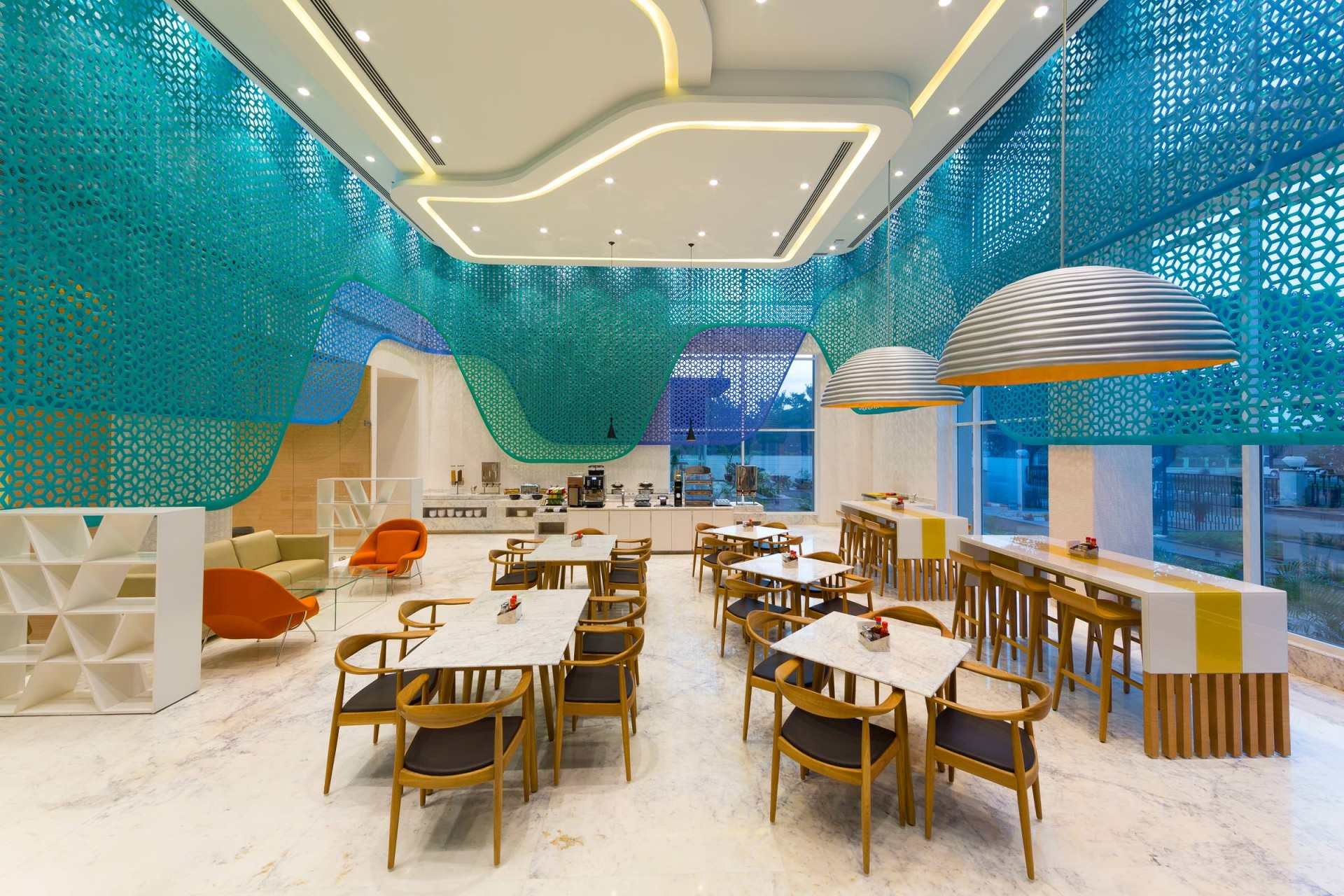 Best Architecture Photographer India | Holiday Inn Express Restaurant