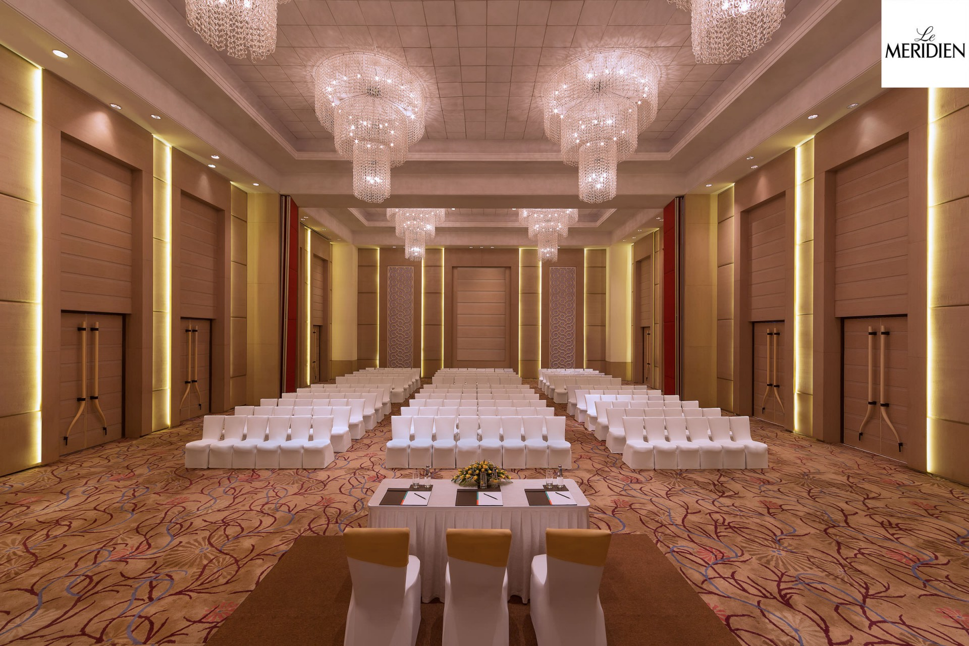 Best Architecture Photographer New Delhi | Le-Meridien Conference Room Banquet Theatre Setting Photography Gurgaon