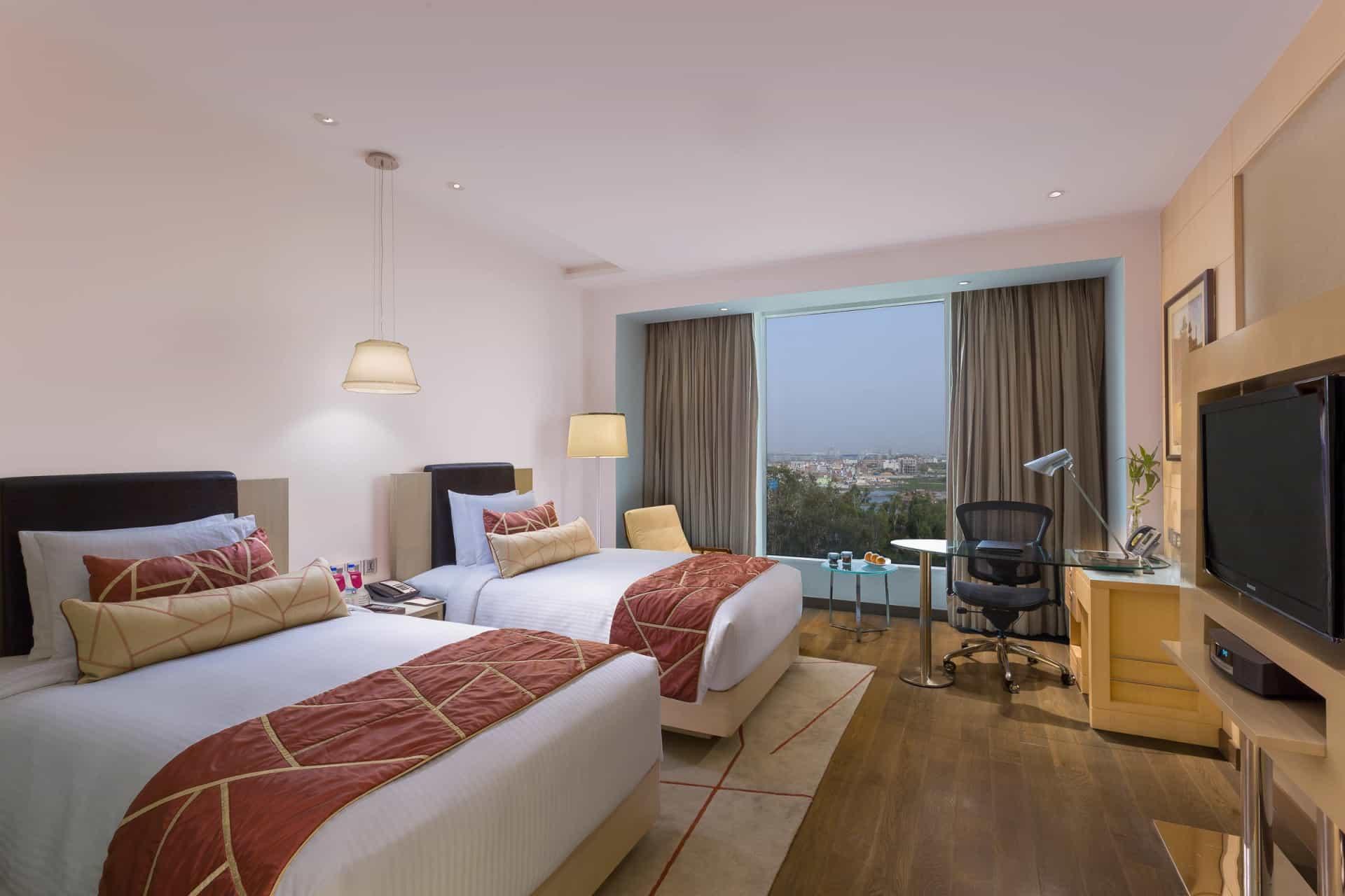 Best Architecture Photographer Delhi India   Crowne Plaza Twin Room Photography Noida