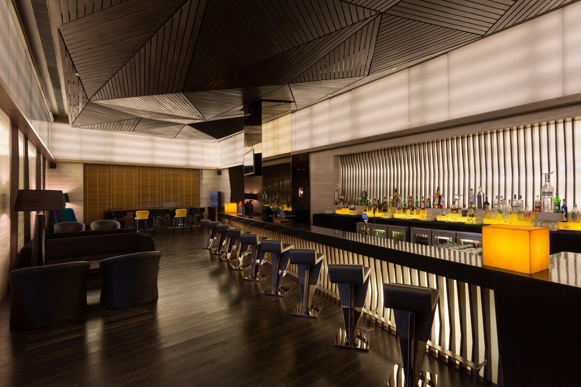 Best Architecture Photographer India   Holiday Inn Restaurant Bar Photography
