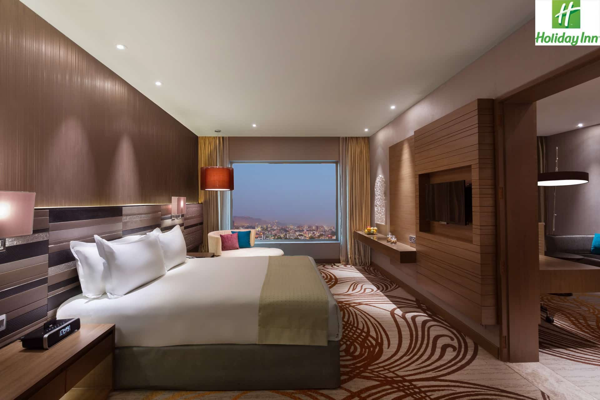 Best Architecture Photographer India   Holiday Inn Delux Room Photography Jaipur